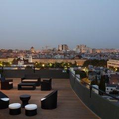 Отель Holiday Inn Lisbon гостиничный бар