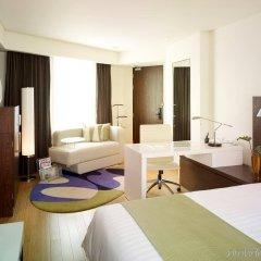 Отель Park Plaza Sukhumvit Bangkok сейф в номере