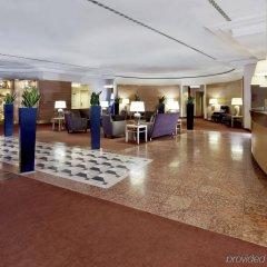 Отель Sheraton Düsseldorf Airport Hotel Германия, Дюссельдорф - 1 отзыв об отеле, цены и фото номеров - забронировать отель Sheraton Düsseldorf Airport Hotel онлайн интерьер отеля