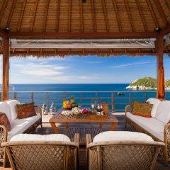 Отель Cape Shark Pool Villas гостиничный бар