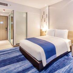 Отель Holiday Inn Express Bangkok Soi Soonvijai комната для гостей фото 3