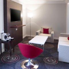 Отель Hilton Brussels Grand Place 4* Стандартный семейный номер с разными типами кроватей фото 6