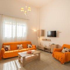 Отель Valentinas Amazing House комната для гостей фото 4