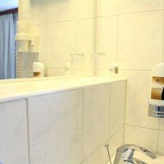 Отель Hampshire Hotel - Beethoven Нидерланды, Амстердам - 2 отзыва об отеле, цены и фото номеров - забронировать отель Hampshire Hotel - Beethoven онлайн ванная