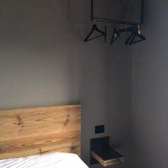 Отель Pa' Sefn Саурис сейф в номере