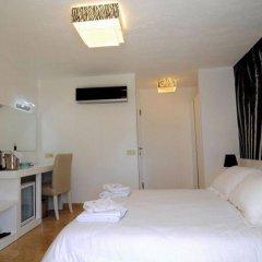 Mini Saray Hotel сейф в номере