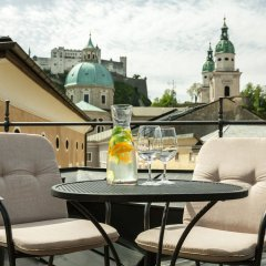 Отель Altstadt Radisson Blu Австрия, Зальцбург - 1 отзыв об отеле, цены и фото номеров - забронировать отель Altstadt Radisson Blu онлайн балкон