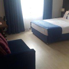 Отель Holiday Inn Express Istanbul-Altunizade комната для гостей фото 5