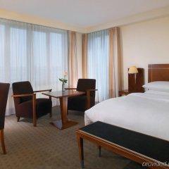 Отель Sheraton Carlton Нюрнберг комната для гостей