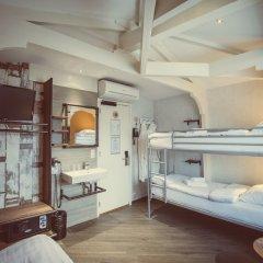 Отель Tourist Inn Budget Hotel - Hostel Нидерланды, Амстердам - 1 отзыв об отеле, цены и фото номеров - забронировать отель Tourist Inn Budget Hotel - Hostel онлайн комната для гостей фото 7
