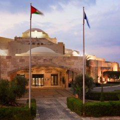 Отель King Hussein bin Talal Convention Center managed by Hilton Иордания, Сваймех - отзывы, цены и фото номеров - забронировать отель King Hussein bin Talal Convention Center managed by Hilton онлайн вид на фасад