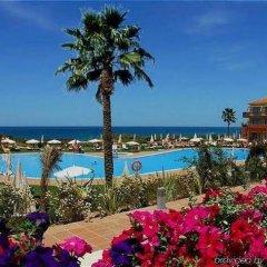 Отель Confortel Calas de Conil Испания, Кониль-де-ла-Фронтера - отзывы, цены и фото номеров - забронировать отель Confortel Calas de Conil онлайн бассейн фото 3