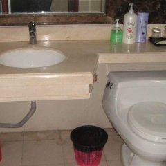 Отель Private Enjoyed Home JinYuan Apartment Китай, Гуанчжоу - отзывы, цены и фото номеров - забронировать отель Private Enjoyed Home JinYuan Apartment онлайн ванная фото 2