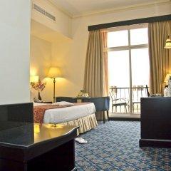 Отель Regent Beach Resort в номере