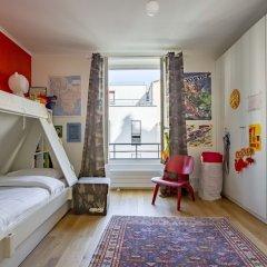 Отель Between the Beams Париж детские мероприятия