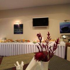 Отель Magnus Hotel Литва, Каунас - 13 отзывов об отеле, цены и фото номеров - забронировать отель Magnus Hotel онлайн питание фото 2