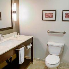 Отель Comfort Inn And Suites Near Universal Studios Лос-Анджелес ванная
