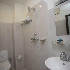 Отель OYO 137 Hotel Pranisha Inn Непал, Катманду - отзывы, цены и фото номеров - забронировать отель OYO 137 Hotel Pranisha Inn онлайн ванная фото 2