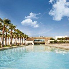Two Rooms Hotel бассейн