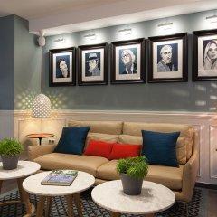 Отель Hôtel des 3 Poussins Франция, Париж - 3 отзыва об отеле, цены и фото номеров - забронировать отель Hôtel des 3 Poussins онлайн интерьер отеля фото 3