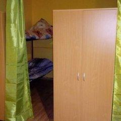 Хостел на Обводном Санкт-Петербург сейф в номере