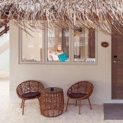Отель Malahini Kuda Bandos Resort интерьер отеля