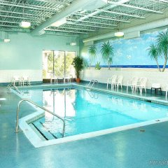 Отель Best Western Plus Gatineau-Ottawa Канада, Гатино - отзывы, цены и фото номеров - забронировать отель Best Western Plus Gatineau-Ottawa онлайн бассейн