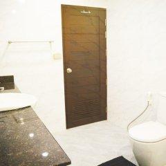 Отель Serena Sathorn Suites ванная фото 2