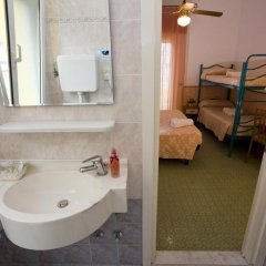 Hotel Sandra Гаттео-а-Маре ванная