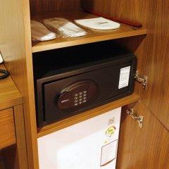 Отель J Hill Myeongdong Сеул сейф в номере