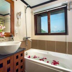 Отель Gray Line Halong Cruise Халонг ванная