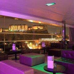 Отель Doubletree By Hilton Edinburgh City Centre Эдинбург гостиничный бар