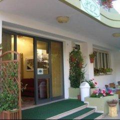 Hotel Carmen Viserba Римини вид на фасад