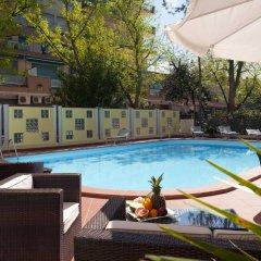 Отель Astoria Suite Hotel Италия, Римини - 9 отзывов об отеле, цены и фото номеров - забронировать отель Astoria Suite Hotel онлайн бассейн фото 3