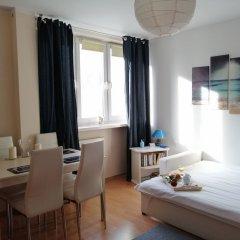 Отель Blue Books Apartments Польша, Варшава - отзывы, цены и фото номеров - забронировать отель Blue Books Apartments онлайн комната для гостей фото 4