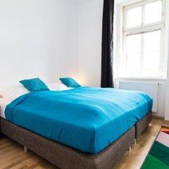Отель CheckVienna - Apartment Familienplatz Австрия, Вена - отзывы, цены и фото номеров - забронировать отель CheckVienna - Apartment Familienplatz онлайн комната для гостей фото 3