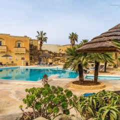 Отель Gozo Farmhouses - Gozo Village Holidays бассейн