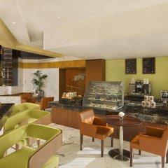 Отель DoubleTree by Hilton Hotel and Residences Dubai Al Barsha ОАЭ, Дубай - 1 отзыв об отеле, цены и фото номеров - забронировать отель DoubleTree by Hilton Hotel and Residences Dubai Al Barsha онлайн питание фото 3