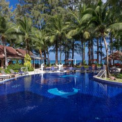 Отель Best Western Premier Bangtao Beach Resort & Spa бассейн фото 3