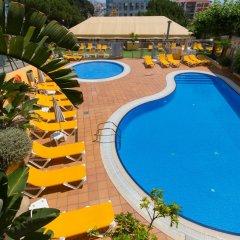 Отель Camping Bungalows El Far бассейн