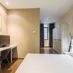 Отель Petit Palace Chueca сейф в номере