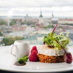 Отель Radisson Blu Sky Эстония, Таллин - 14 отзывов об отеле, цены и фото номеров - забронировать отель Radisson Blu Sky онлайн питание фото 2