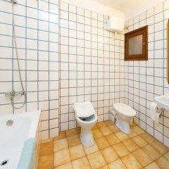 Отель Hostal Montaña Испания, Сан-Антони-де-Портмань - отзывы, цены и фото номеров - забронировать отель Hostal Montaña онлайн ванная фото 2