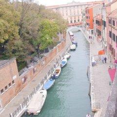 Отель Ca' Dei Polo Италия, Венеция - отзывы, цены и фото номеров - забронировать отель Ca' Dei Polo онлайн балкон