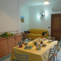 Отель House Cielo blu Конка деи Марини питание