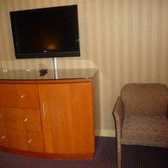 Отель Executive Hotel & Conference Center, Burnaby Канада, Бурнаби - отзывы, цены и фото номеров - забронировать отель Executive Hotel & Conference Center, Burnaby онлайн сейф в номере