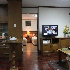 Отель Yellow Ribbon Hills, Boutique Suites в номере