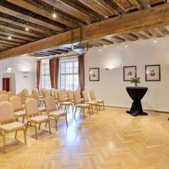 Отель Altstadt Radisson Blu Австрия, Зальцбург - 1 отзыв об отеле, цены и фото номеров - забронировать отель Altstadt Radisson Blu онлайн фитнесс-зал фото 2