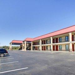 Отель Rodeway Inn Meridian парковка