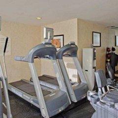 Отель Beverly Hills Marriott фитнесс-зал фото 3